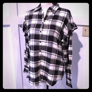 New small plaid Romeo & Juliet couture blouse